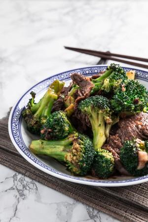 Easy Beef and Broccoli Stir Fry 西蘭花炒牛肉