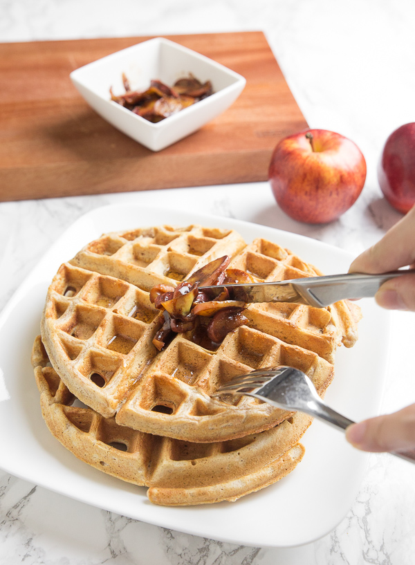 This sweet cinnamon apple is perfect for your delicious waffle